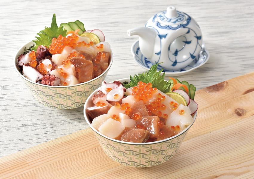 北海道産勝手丼セット(ほたて貝柱/秋鮭漬け/煮たこ/いか/いくら醤油漬) タレときざみのり付き【送料無料】